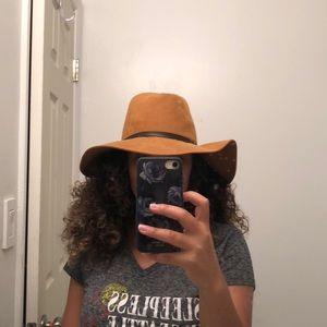 Nice suede tan hat